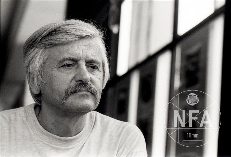 © Miloš Fikejz (1998)
