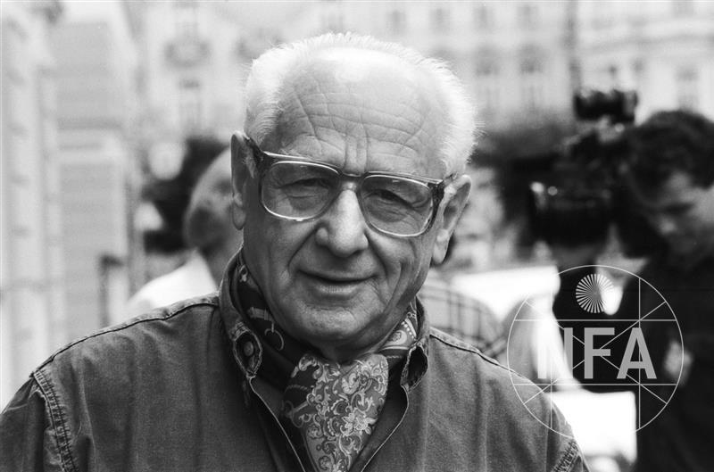 © Miloš Fikejz (1996)